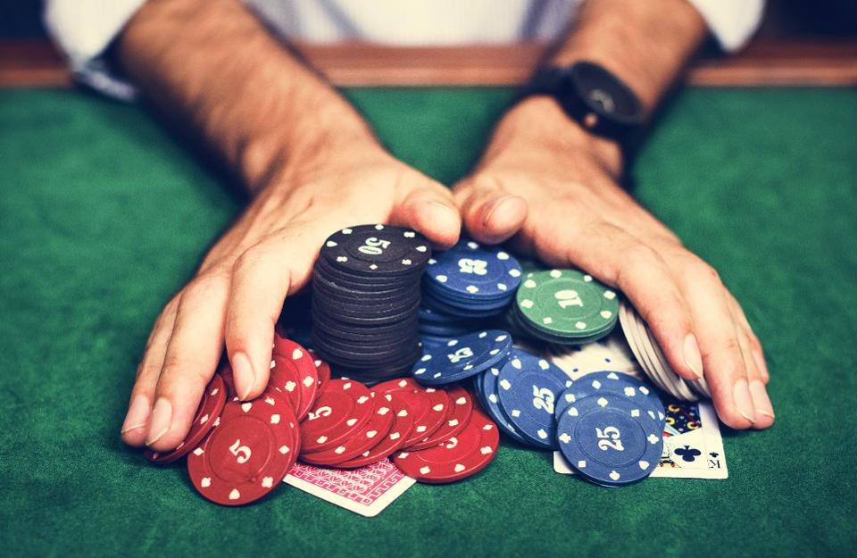 Enjoying Poker Online Games During Online Competitions